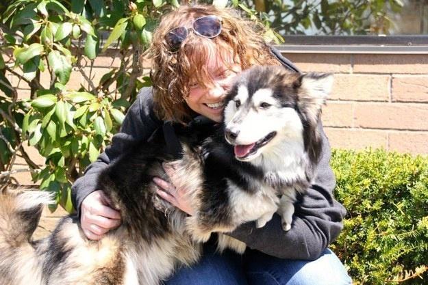 Собака со своей спасительницей